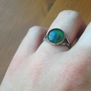 Jewelry - vintage sterling silver mood ring
